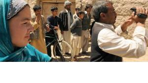 An Afghan crew shooting a film in Kunduz (photo: Martin Gerner)