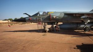 A French fighter jet of the type 'Mirage' in Bamako, Mali (photo: Reuters)