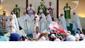 pope Benedict XVI. and preachers in Lebanon (photo: Reuters)