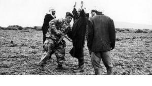 French patrol near Duvivier, Algeria, on 21 January 1958 (photo: dpa)