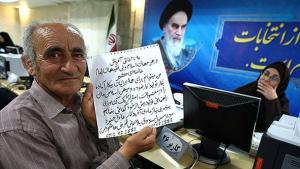 Man registering to vote (photo: MEHR)