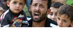 Syrian refugees on their way to Turkey (photo: AP/dapd)