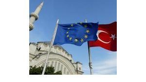 Turkish and EU flag in Istanbul (photo: AP/Osman Orsal)