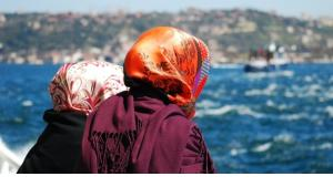 Two women on a boat on the Bosporus (photo: © Varbenov)