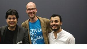 The organisers of the Bliss Festival (from left to right): Salar Aghili, Benedikt Fuhrmann and Ali Abdolazimi (photo: kampnagel.de)