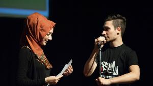 Youssef Adlah and the word artist Öznurn (photo: Arne List/DW)