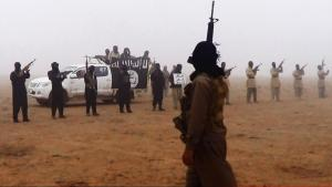 ihadi militiamen in Iraq close to the Syrian border (photo: picture-alliance/AP)