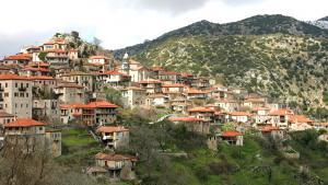 The Greek town of Dimitsana (photo: Fotalia/Dimitrios Rizopoulos)