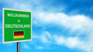 "Road sign that reads ""Welcome to Germany"" (photo: Becky Stares/Fotolia.com)"