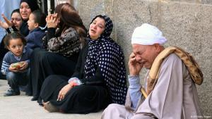 Shocked relatives react after learning of the death sentences passed on 529 supporters of the Muslim Brotherhood in Egypt (photo: AFP/Getty Images)