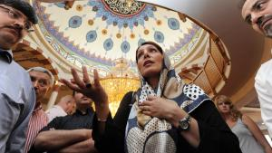 People in Yavuz Sultan Selim Mosque in Mannheim (photo: dpa/picture-alliance)