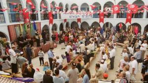 Inside the El Ghriba synagogue in Tunisia (photo: dpa)