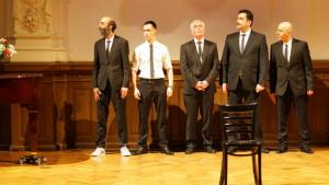 "Scene from the play ""Supermaenner"" at the Theater Ballhaus Naunynstraße, Berlin (photo: Ballhaus Naunynstraße)"