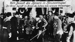 Kaiser Wilhelm II on a state visit to the Ottoman Empire in 1917 (photo: picture-alliance/Akg-images)