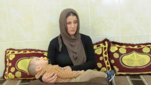 Amsha and her child (photo: Karim El-Gawhary)