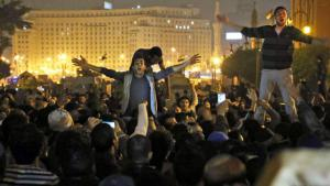 People on Tahrir Square protesting against the outcome of Hosni Mubarak's trial on 29 November 2014 (photo: picture-alliance/dpa/L. Farouk)