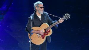 Yusuf Islam, formerly known as Cat Stevens, performing at a music festival in Italy (photo: picture-alliance/Photoshot)