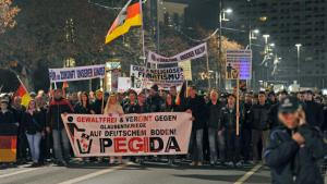 Supporters of the Pegida movement demonstrating in Dresden (photo: Matthias Hieckel/dpa)
