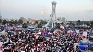 Mass protests at Pearl Roundabout in Manama on 4 March 2011 (photo: picture-alliance/Landov)