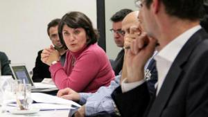 Canan Topcu (centre) speaking during a discussion at the Herbert Quandt Foundation (photo: private)