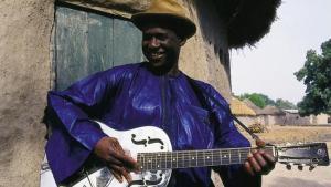 Kasse Mady Diabate (source: www.kassemadydiabatemusic.com)