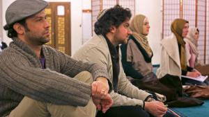 Jews and Muslims attending a Salaam-Shalom initiative event in a mosque (photo: William Noah Glucroft)