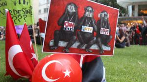 Protests in Istanbul against the censorship of the press (photo: picture-alliance/AP Photo)