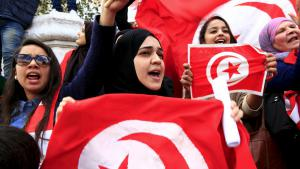 Tunisians take to the streets to demonstrate against terrorism on 20 March 2015 (photo: Reuters/Mili)