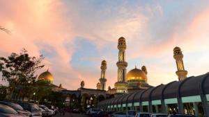 Jame'asr Hassanil Bolkiah Mosque in Bandar Seri Begawan, Brunei (photo: Reuters/Ahim Rani)