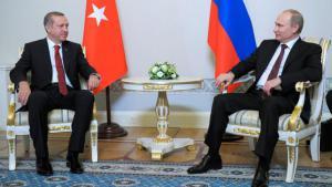 Recep Tayyip Erdogan (left) and Vladimir Putin during Erdogan's state visit to Russia, St Petersburg, 22 November 2013 (photo: Reuters)