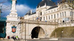 The University of Lyon (photo: picture-alliance/Nico Tondini/Robert Harding)
