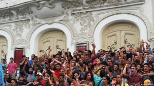 """Demonstration against """"business amnesty legislation"""" planned by the government in the capital Tunis (photo: Sarah Mersch)"""