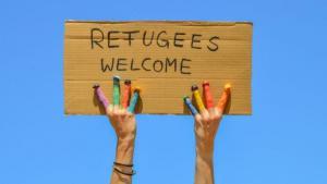 """""""Refugees welcome"""" placard (photo: fotolia.com)"""