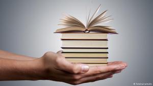 Books (photo: fotolia-carballo)