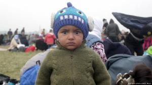 Refugee child in Rigonce (photo: picture-alliance/AA/S. Mayic)