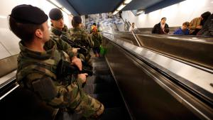 French soldiers patrol the subway in Marseille (photo: Reuters/J. P. Pelissier)