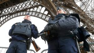 Police guard the Eiffel Tower in Paris (photo: Reuters/Y. Hermann)