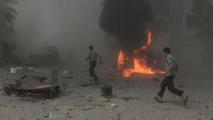 Barrel bomb attack by Assad′s regime over Douma, Damascus (photo: Reuters/B. Khabieh)