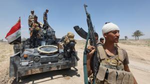 Besieging Fallujah (photo: Reuters/A. Al-Marjani)