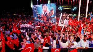 Pro-Erdogan demonstration on Taksim Square on 10 August 2016 (photo: Reuters/O. Orsal)