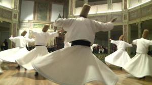 Whirling dervishes (photo: Deutsche Welle)