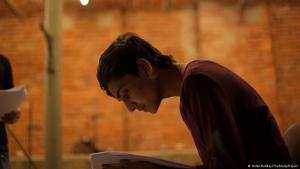 Kahel Kaschmiri rehearses his poems (photo: Stefan Rottkay/The PoetryProject)