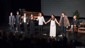 Performance by Seda Roder at the Beethovenfest in Bonn (photo: Barbara Fromman)