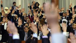 Voting in the Algerian parliament (photo: Getty Images/AFP/F. Batiche)
