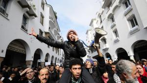 Protesters in Rabat demand reform during the Arab Spring, 2011 (photo: picture-alliance/dpa)