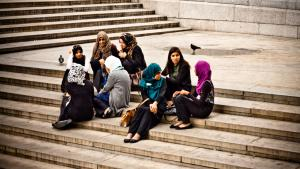 Young Muslim women in Germany (photo: Garry Knight@flickr.com, CC 2.0)