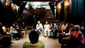 Discussion following a film screening in Cairo′s Jesuit Cinema Club (source: Jesuit Cinema Club)