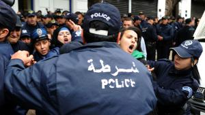Public protests against the Algerian government′s economic policy under President Bouteflika (photo: FAROUK BATICHE/AFP/Getty Images)