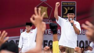Anies Baswedan (right) campaigning in Jakarta (photo: Reuters)