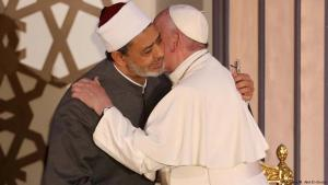 Pope Francis meets Grand Sheikh Ahmed al-Tayyeb during his visit to Al-Azhar University in Cairo (photo: Reuters)